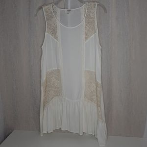 Umgee Off White Lace with Ruffle Sleeveless Blouse